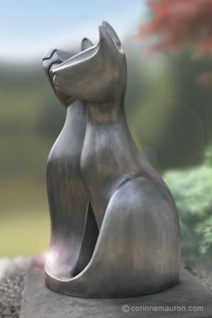Sculpture de chats en aluminium, profil gauche, couple